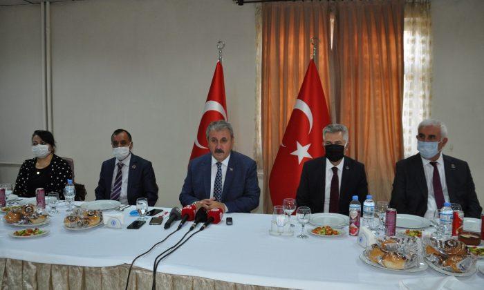 """BBP Genel Başkanı Destici: """"CHP nasıl bir anayasa yazacağını bilmiyor"""""""
