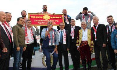 Çan Belediyesi yağlı pehlivan güreşlerini Fatih Atlı kazandı
