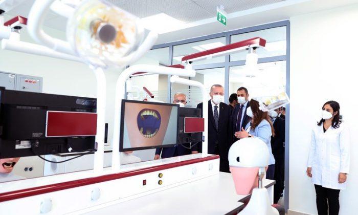 Cumhurbaşkanı Erdoğan, RTEÜ Diş Hekimliği Fakültesi'nin açılışını gerçekleştirdi