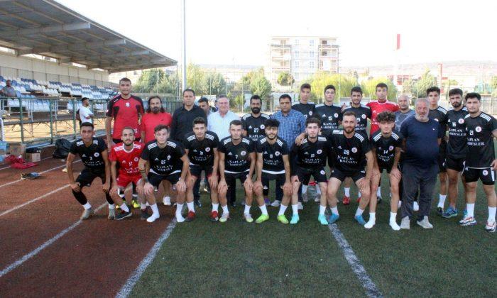 Elbeylisporlu futbolculara tanışma yemeği