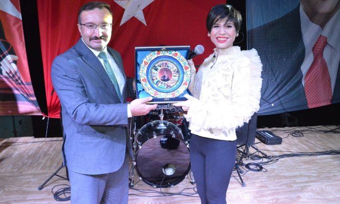 Emet'te 3 Eylül kutlamaları Aydilge konseri ile sona erdi
