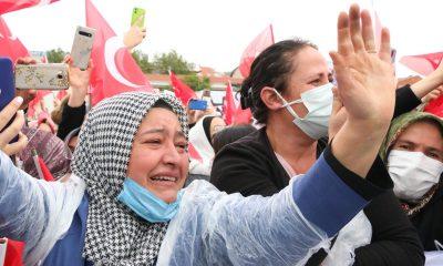 Erdoğan'ı gören vatandaş gözyaşları