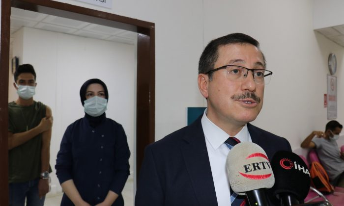 İnönü Üniversitesi'nde öğrenciler için aşı merkezi kuruldu