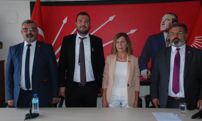 Isparta Belediye Meclisi'nde CHP'li üyeler partisine geri döndü, İYİ Parti grubu dağıldı