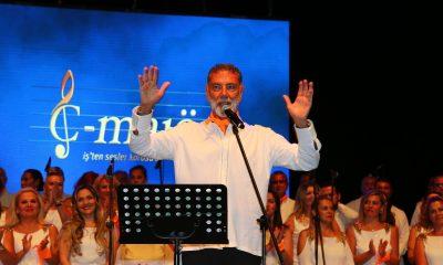 İş'ten Sesler Korosu, Bodrum'un yaralarını sarmak için muhteşem bir konser verdi