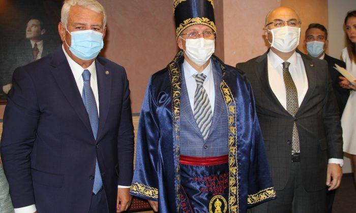 İzmir'in ahisi şed kuşandı