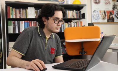 (Özel) Lise öğrencisi yapay zekâ ve edebiyatı bir araya getirdi