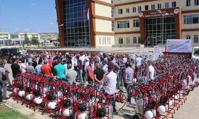 Tunceli'de çiftçilere süt sağım makinesi ve soğutma tankı dağıtıldı
