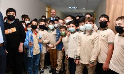 Öğrencilerden Başkan Kılıç'a sevgi seli