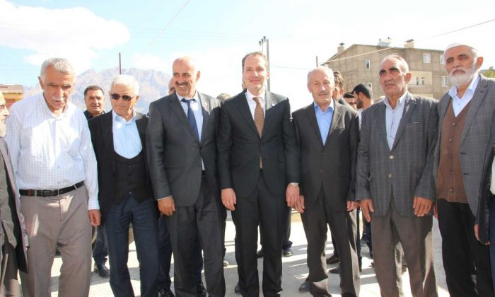 Yeniden Refah Partisi Genel Başkanı Fatih Erbakan Hakkari'de
